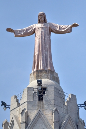 cor: Jesus Christus Statue at Temple del Sagrad Cor in Barcelona, Spain