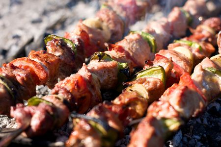 broach: Barbecue with delicious grilled meat on grill
