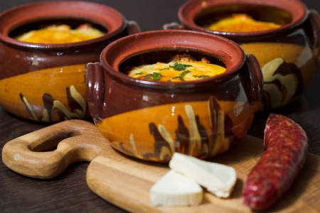 sausage pot: Stew pot with sausage and cheese