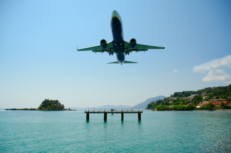 Amazing landing at Kerkyra Airport, corfy Greece Standard-Bild