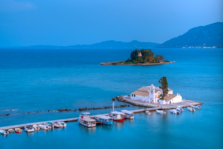 View of Pontikonisi area at Corfu island with sunset Standard-Bild