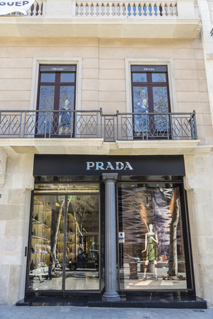 prada: Barcelona, Spain - March 27, 2015: Prada shop located on Passeig de Gracia, one of the most expensive streets in Europe. Editorial