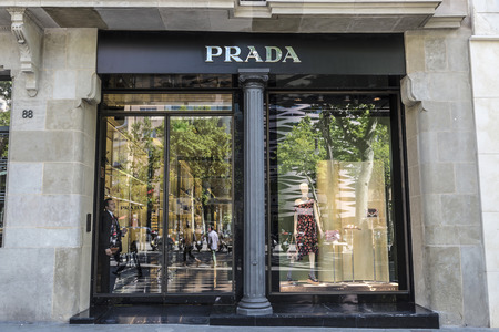prada: Barcelona, Spain - May 25, 2016: Prada shop located on Passeig de Gracia, one of the most expensive streets in Europe. Editorial