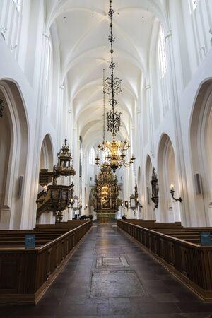 Interieur van de Sint-Pieterskerk in het centrum van Malmö, Zweden