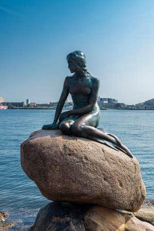 Statue of the Little Mermaid (Den lille Havfrue) on the Langelinie Promenade in Copenhagen, Denmark