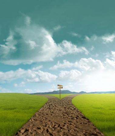 Crossroad Schmutz in ländlichen Landschaft im Sonnenuntergang Standard-Bild - 14237380
