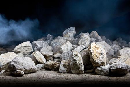 採石場の夜のショット
