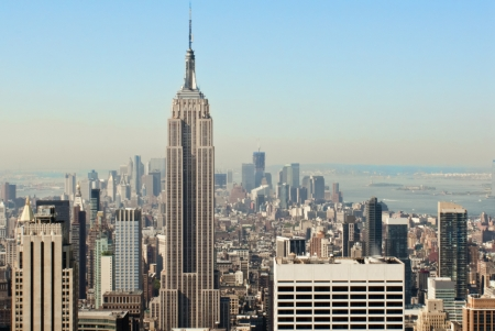 empire state building: View over the amazing skyscrapers of Manhattan, New York City during daytime
