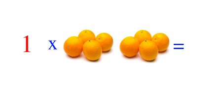 Simple problems of multiplying with oranges, mathematical problems for children who study and want to learn math and calculus; learn to multiply with fruits and numbers, oranges and figures and numerical symbols Imagens - 138297659