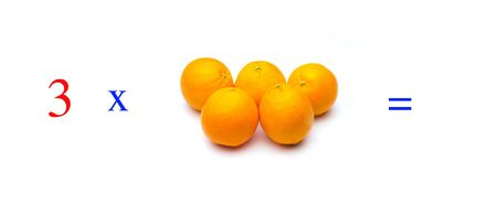 Simple problems of multiplying with oranges, mathematical problems for children who study and want to learn math and calculus; learn to multiply with fruits and numbers, oranges and figures and numerical symbols Imagens - 138297461
