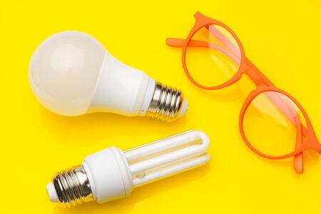 Low consumption, less heat, responsible consumption with energy; energy saving light bulbs and maximum brightness to see well, read well; Perfectly illuminate our home and our workplace. Saving money.