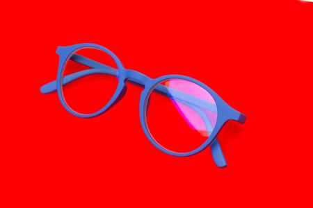 Glasses and lenses for the protection of the eyes, to improve the visual health of the people, to be able to see from far and near. Designer glasses to beautify our image and be able to see well. 版權商用圖片 - 144863037