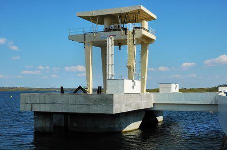 barrage: Barrage crane
