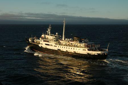 sailling: Ship sailling under midnight sun