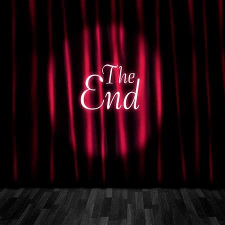 sipario chiuso: Teatro tenda close o stadio Curtain Call In una rappresentazione di un schermo Ending film a Vintage Cinema Archivio Fotografico