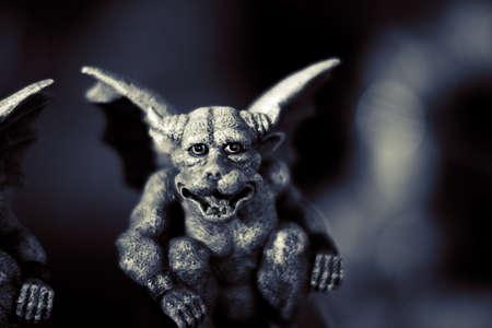 grin: Evil Gargoyle Figurine With Devilish Smile