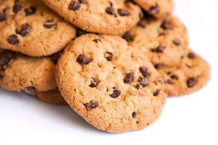 galleta de chocolate: Foto de estudio sobre un montículo de chocolate Chip Cookies