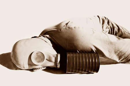 faulty: A Casualty Lies Dead After A Faulty WW2 Gas Mask Leaks Biological Gas Stock Photo