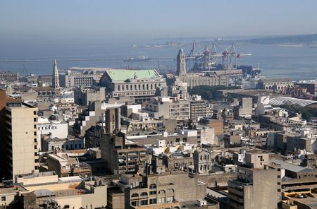 Panoramisch uitzicht over de stad en de haven van Montevideo, Uruguay