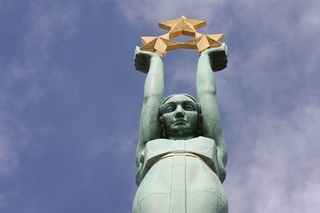 national landmark: La libert� monumento a Riga, Lettonia, punto di riferimento nazionale Archivio Fotografico
