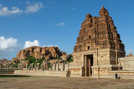 karnataka: Templo de etimolog�a en Hampi, Karnataka provincia, sur de la India, patrimonio de la humanidad.