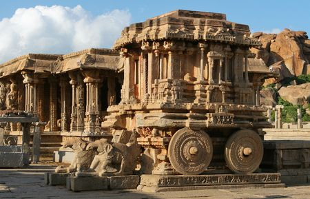 karnataka: Stone chariot. Vittala temple. Hampi - UNESCO World Heritage Site. India Stock Photo
