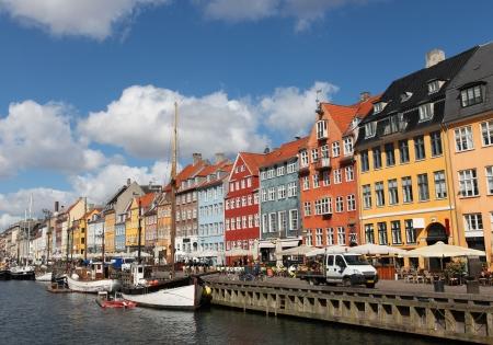 Nyhavn in Kopenhagen, Denemarken - een van de populairste toeristische plaatsen  Stockfoto