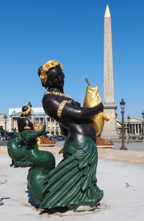 fontaine: Statue at La Fontaine des Fleuves