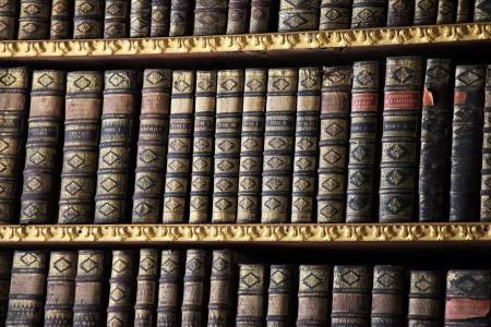 Oude boeken in de bibliotheek van Stift Melk, Oostenrijk. Al deze boeken werden meer dan 200 jaar geleden werd opgericht, is er geen property release vereist.