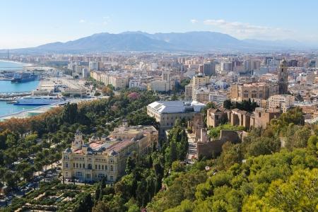 Panorama auf den Hafen von Malaga, Andalusien, Spanien Standard-Bild