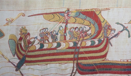 middle ages boat: Detail of the Bayeux Tapestry depicting the Norman invasion of England in the 11th Century  This tapestry is more than 900 years old, no property release is required