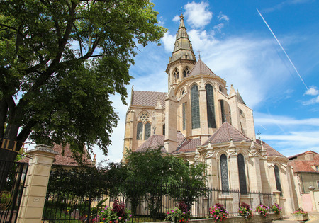 collegial: Collegial church of Notre Dame in the historic town of Semur en Auxois in Burgundy, France.