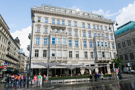 innere: VIENNA, AUSTRIA - MAY 25: The Hotel Sacher, a five-star hotel located in the Innere Stadt first district of Vienna, Austria, next to the Vienna State Opera, on May 25, 2010. It is famous for the specialty of the house, the Sachertorte, a chocolate cake.  Editorial