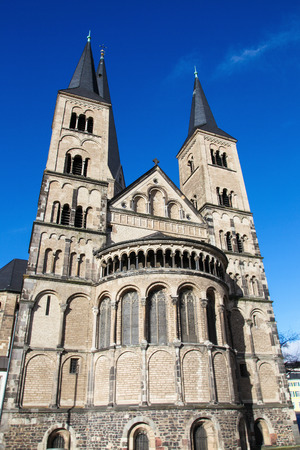 rhine westphalia: The Bonn Minster, or, in German, the Bonner Münster, is one of the oldest churches of Germany  It is located in Bonn, North Rhine Westphalia, Germany  Stock Photo