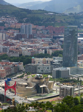 bilbo: BILBAO, SPAIN - JULY 10, 2014: Panorama on the center of Bilbao, Basque country, Spain, with the famous Bilbao Guggenheim Museum.