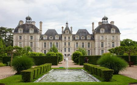 CHEVERNY, FRANCE - 24 mai 2014: Château de Cheverny, un célèbre château de la vallée de la Loire dans le département Loir-et-Cher en France. Banque d'images - 34861479