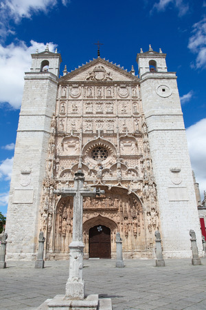 plateresque: Facade of the San Pable Church (15th Century) in Valladolid, Castile and Leon, Spain. This church is built in the Isabelline Gothic-Plateresque style and is a main landmark of Valladolid. Stock Photo