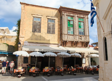 kreta: RETHIMNO, GREECE - OCTOBER 3, 2014: Old architecture in the city of Rethymno on the island of Crete, Greece, created in 1573.