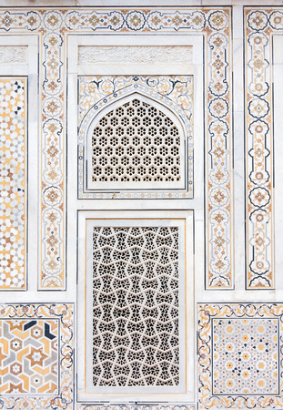 jewel box: Wall decoration at the Tomb of I timad ud Daulah in Agra, Uttar Pradesh, India, a Mughal mausoleum often described as the Baby Taj or jewel box.