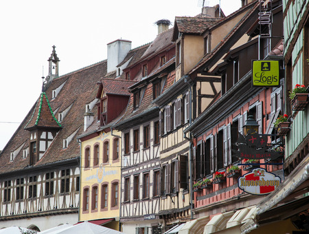 des vins: OBERNAI, FRANCE - MAY 8, 2015: Traditional half-timbered houses in Obernai, Alsace, France