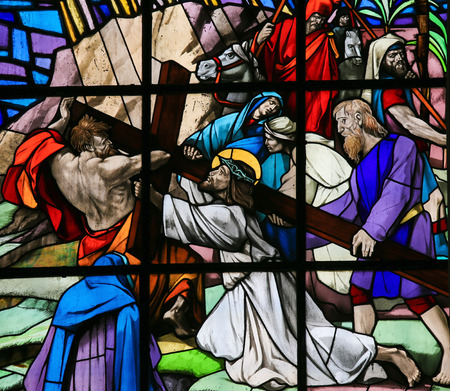 via dolorosa: GUIMARAES, PORTUGAL - AUGUST 7, 2014: Stained glass window depicting Jesus on the Via Dolorosa in the Santos Passos church in Guimaraes, Portugal. Editorial