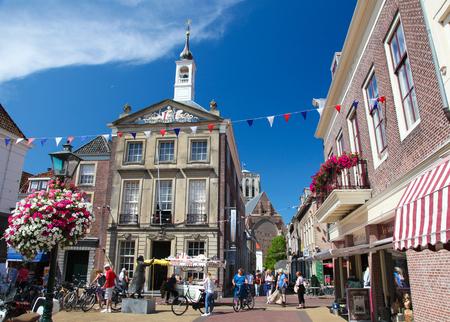 BRIELLE, Niederlande - 8. August 2015: Altes Rathaus (heute historisches Museum) von Brielle, die auch als Den Briel, den Niederlanden bekannt.