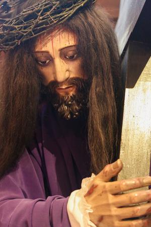 bairro: LISBON, PORTUGAL - JULY 13, 2016: Statue of Jesus carrying the Cross in the Church of Nossa Senhora do Loreto in Bairro Alto dsitrict, Lisbon, Portugal.