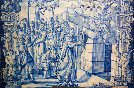 santa cruz: Azulejo in the Monastery of Santa Cruz, founded in 1131 in Coimbra, Portugal. Editorial