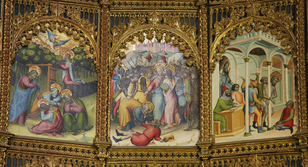 salamanca: Paintings of the Judas kiss, the Garden of Gethsemane and Good Friday on the retable (1430-1450) of the Old Cathedral of Salamanca, Spain. Editorial