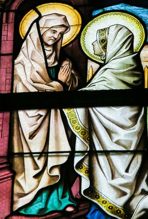 방문을 묘사 한 Lier, 벨기에의 세인트 Gummarus 교회의 스테인드 글라스 창