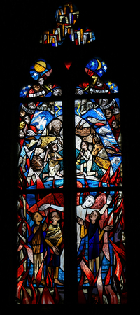 天と煉獄を描いたテュービンゲンの聖堂参事会教会のステンド グラス