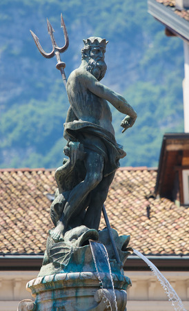 neptuno: Neptune Fountain (1767) on the Piaza Duomo in Trento, Trentino, Italy