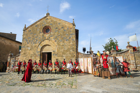 Medieval reenactment on Piazza Roma in Monteriggioni, a comune in the province of Siena in the Italian region Tuscany.