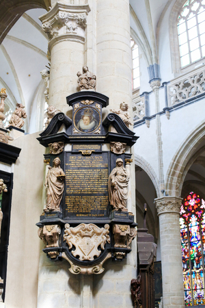 앤트워프, 벨기에, 세인트 앤드류 교회. 스코틀랜드의 여왕 메리 스튜어트 (Mary Stuart)의 숙녀 대기 중 17 세기 묘지